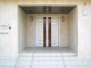大理石の玄関