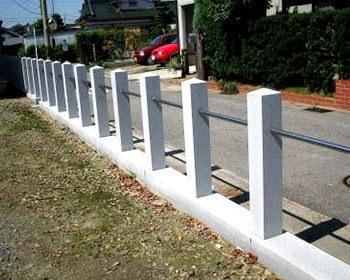 神社・石の柵